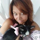 Mom and Dog in total pink...un outfit contraddistinto dal rosa. Camilla 🐶 indossa la pettorina Opla' Cleo firmata Charlotte's Dress 🥰 #charlottesdress #outfit #dog #harness #pettorina #guinzaglieriacane