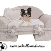 The Sofa 🐶Eh Già garantisce divani per il tuo pet di gran qualità, interamente italiani. Vieni a scoprire l'intera collezione pensata per soddisfare ogni tua richiesta.😍❤️https://www.codeallamoda.com/264-eh-gia#sofà #divano #ehgià #cucciacane #riposo #bedog